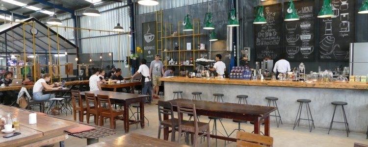 Koffie drinken in bar