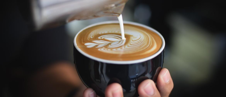 Wat is het verschil tussen flat white en cappuccino?