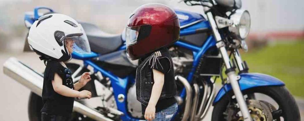 Waar Kun Je Motorkleding Voor Een Kind Kopen?
