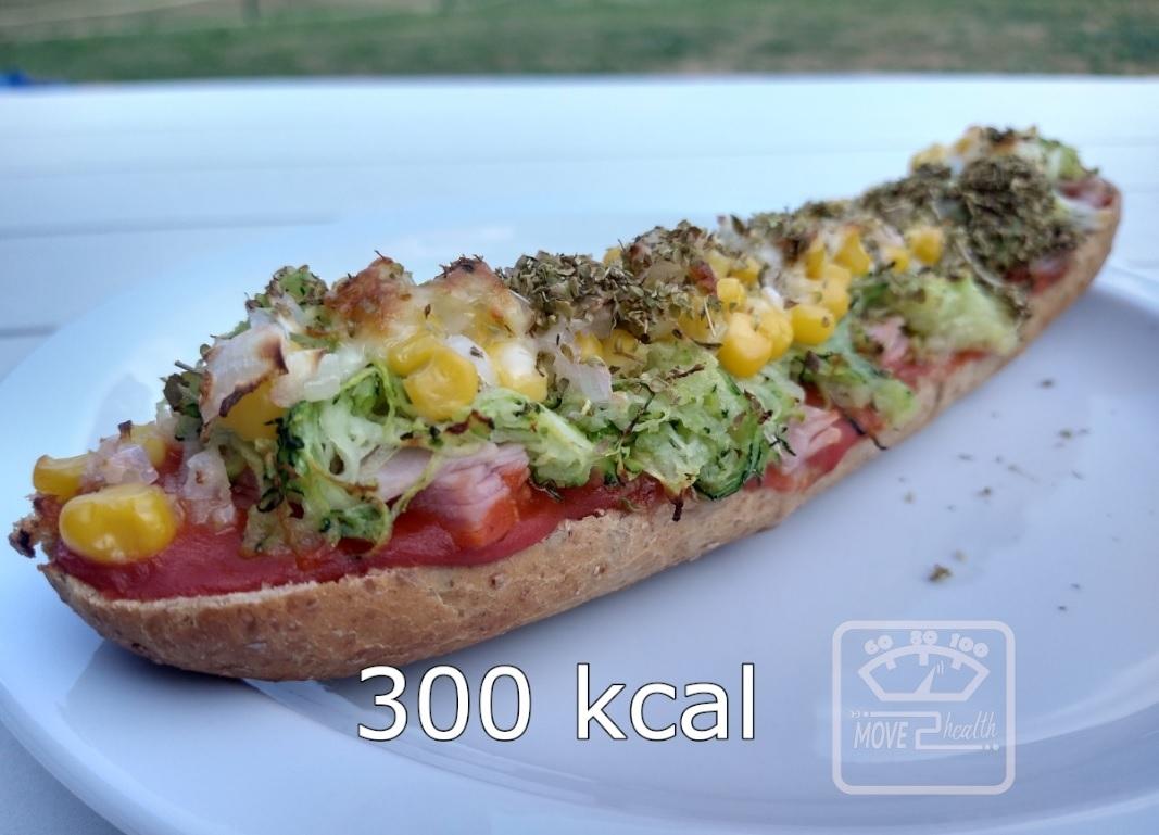 Pizzabroodje met courgette, hesp en maïs caloriearm en gezond