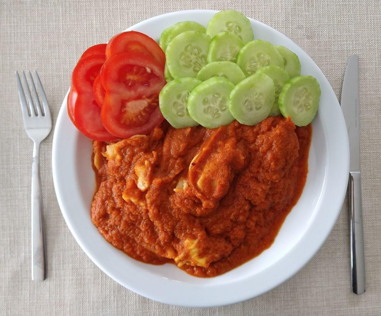 Vegetarische tortellini met tomatensaus