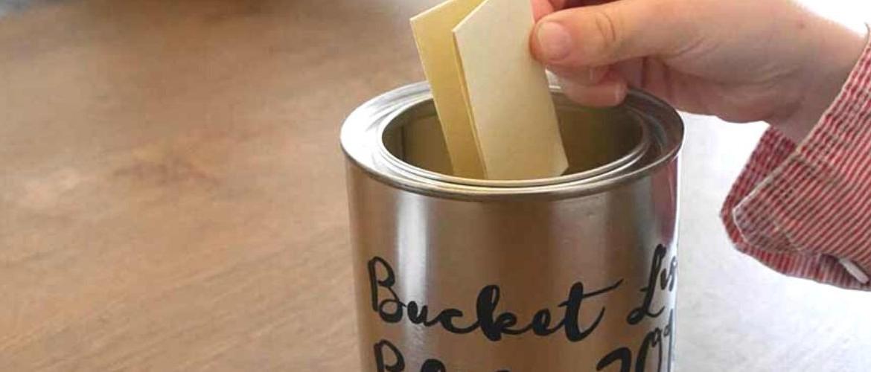 Maak een bucket list blik voor mooie momenten samen