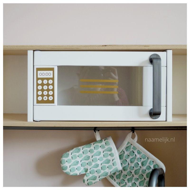 Ikea keukentje pimpen zonder verf - magnetronstickers