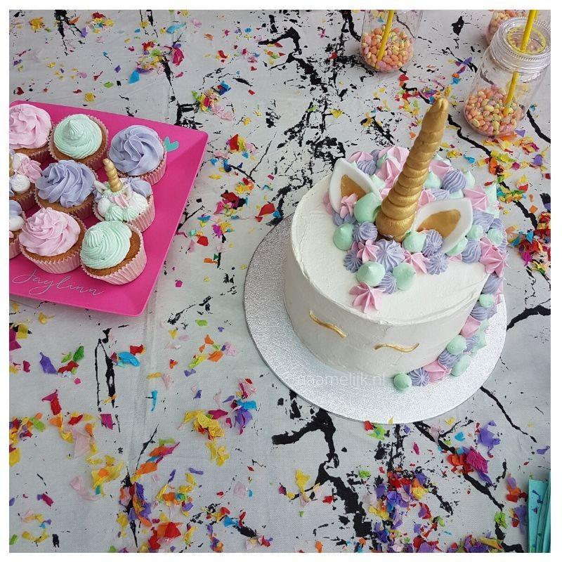 Unicorn feestje decoratie taart