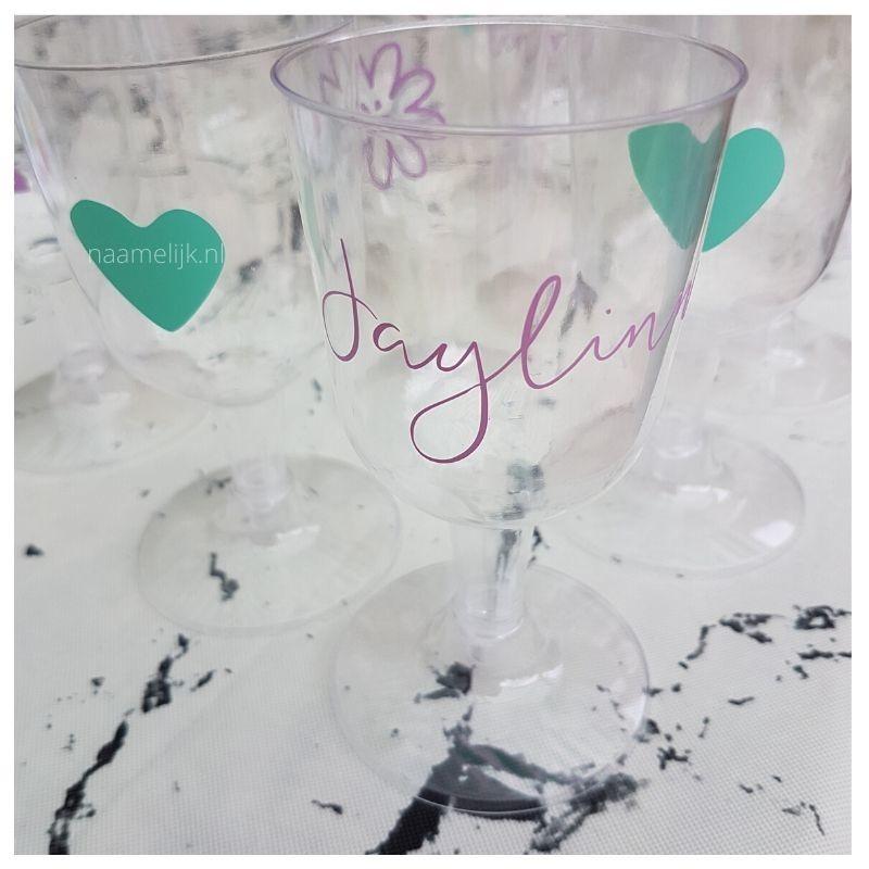 Eerste verjaardag decoratie naamstickers op glazen