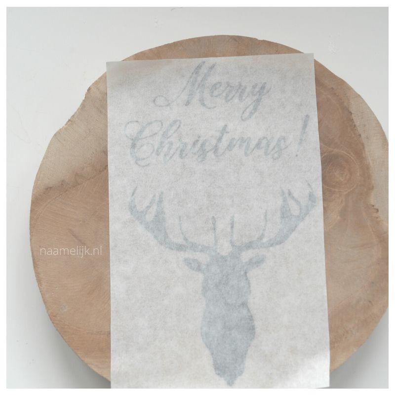 Whitewash kerstbordje maken sticker plakken
