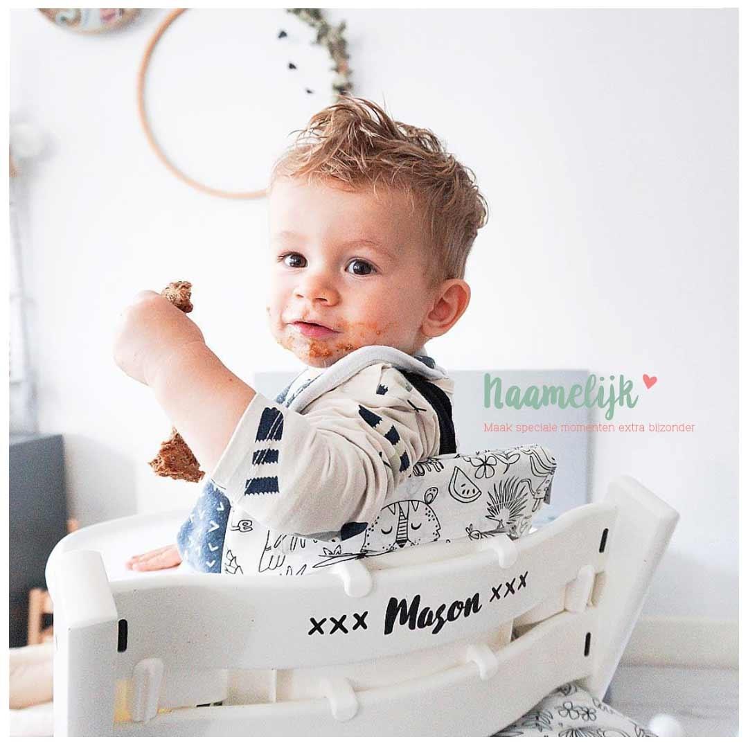 Kinderstoel met naam - naamsticker kruisjes zwart