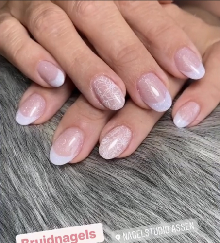 nagelstudio assen zorgt voor de perfecte nagels bij je trouwen en ook zodat je handen schitteren