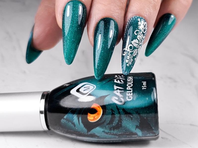 geef een speels effect waar je naar blijft staren met de cateye gelpolishes van magnetic by nagelstudio assen