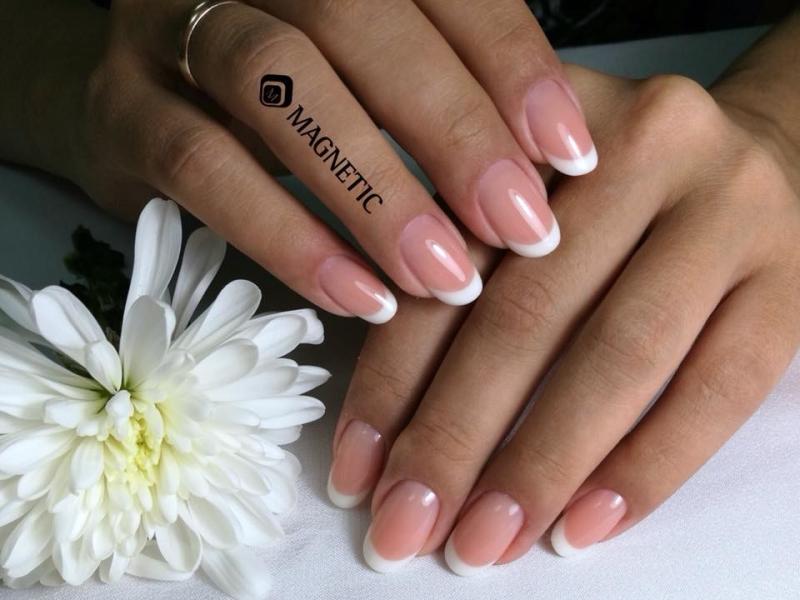 kakstraks gelakte nagels zijn wel een echte handtekening van sabine mus van nagelstudio assen