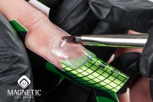 transparantie gel en verlenging op een sjalboon