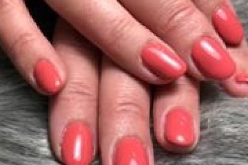 sabine mus van nagelstudio assen maakt mooie gellak nagels die lang blijven zitten