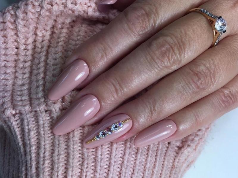 nagelstudio assen werkt exclusief alleen met magnetic nagelproducten