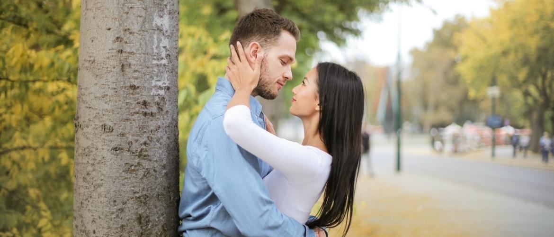 Oxytocine: Het knuffelhormoon dat zorgt voor verbinding (Complete Guide)