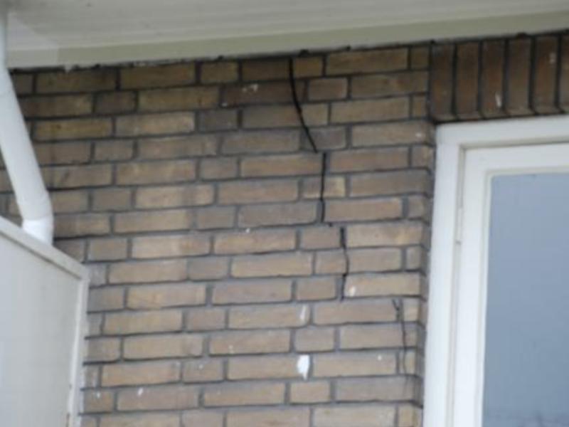 Scheurvorming muur