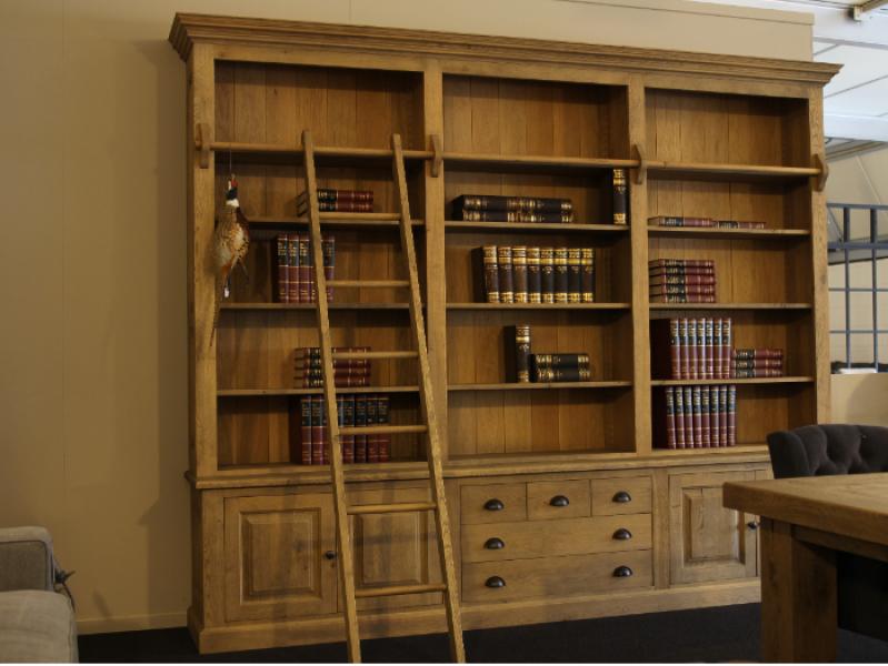 boekenkast eiken met ladder