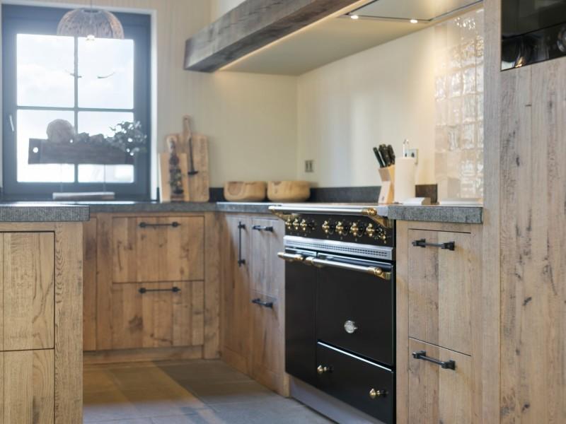 Keuken met landelijk fornuis