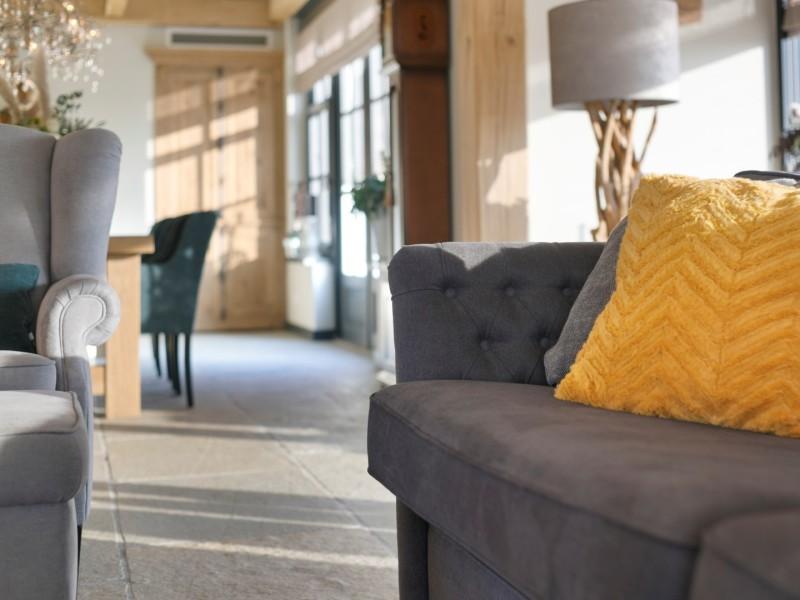 Landelijke details in woonkamer