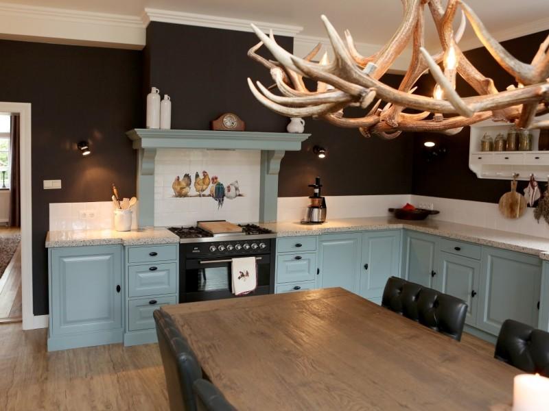 Landelijke blauwe keuken