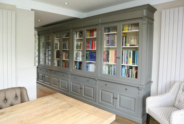 Buffetkast als boekenkast