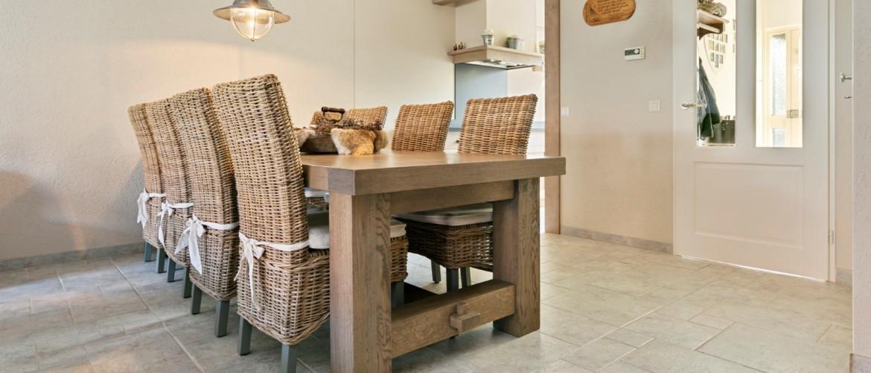 Landelijke houten eetkamerstoelen
