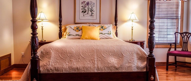 Eikenhouten hemelbed, op maat gemaakt. 7 Ideeën voor uw landelijke slaapkamer