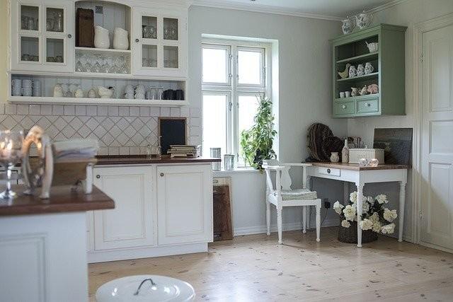 Houten aanrechtblad landelijke keuken