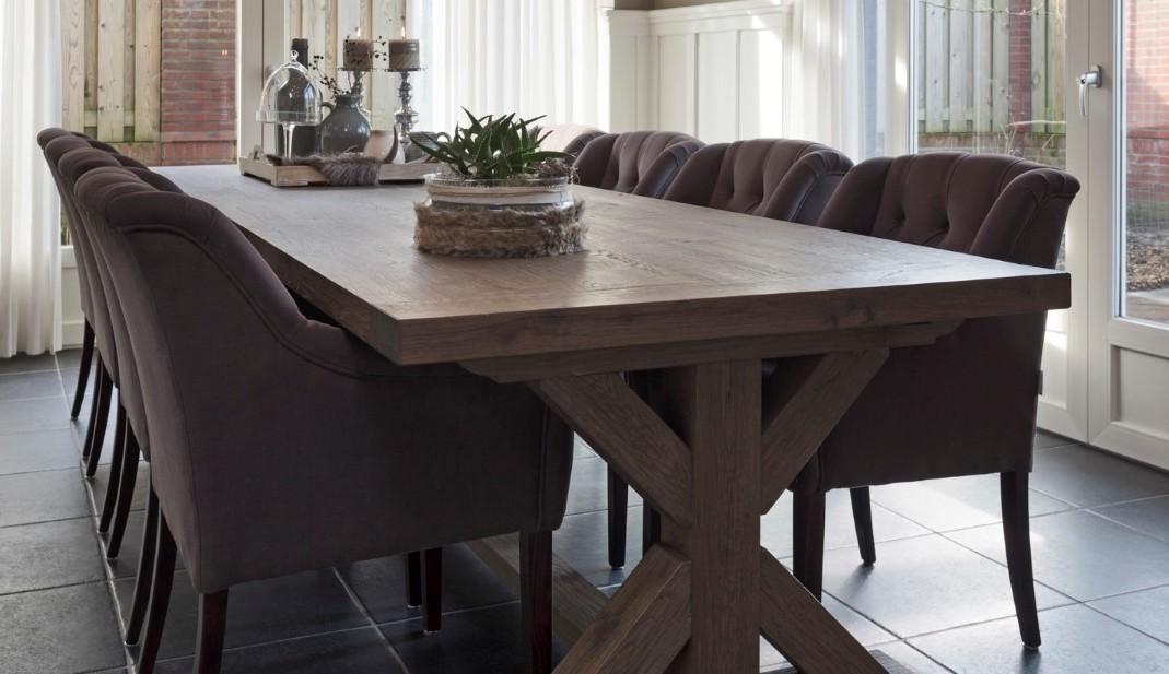 gecapitonneerde eetkamer stoelen
