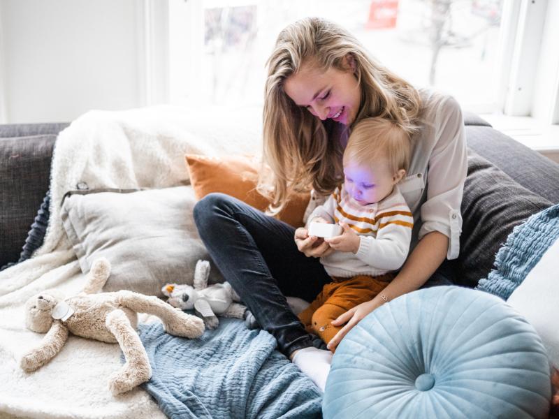 Spelend met je kindje voor het slapen met de Numsy Original