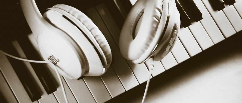 Welke digitale piano in het wit kan je het beste kopen? 3 tips voor de beste aankoop