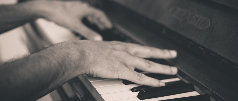 Pianolessen vanuit huis. Hoe werkt dat nou eigenlijk precies?