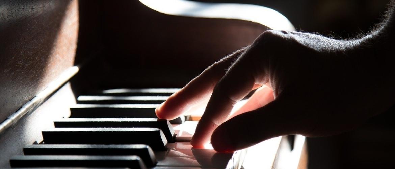 Piano spelen als hobby. Lekker ontspannen met pianospel