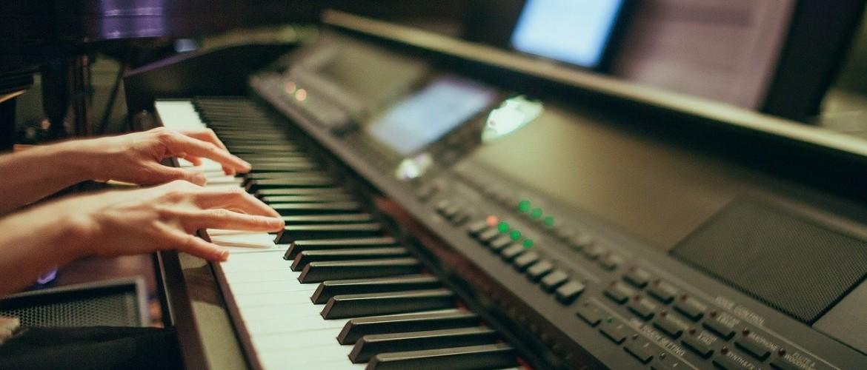 Wat is een digitale piano en wat kun je ermee?