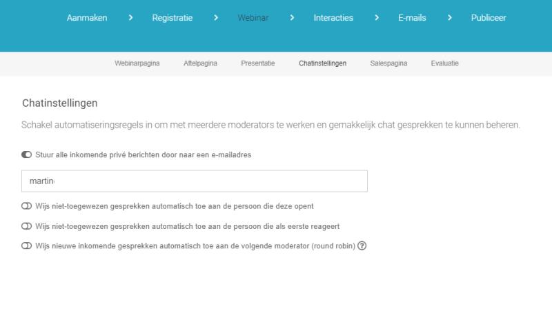Via de WebinarGeek Chat Instellingen kun jij met meerdere moderators werken. Hierdoor hou jij overzicht en kun je cursisten / klanten perfect laten helpen terwijl jij als presentator je handen vrij hebt om je presentatie te geven!