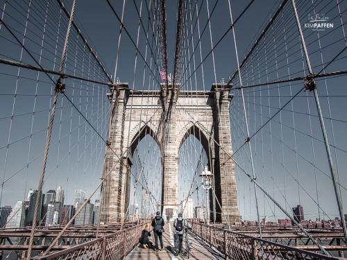 Best thing to do in New York City: Walk the Brooklyn Bridge