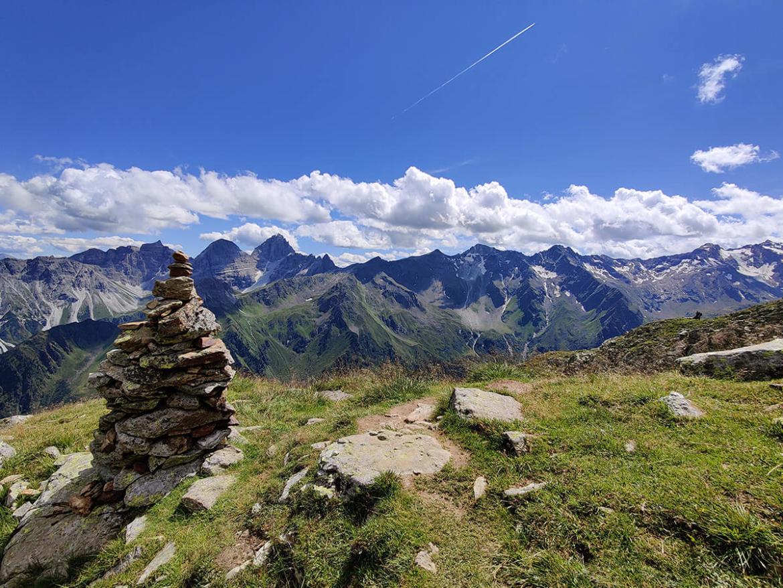 wandelen-in-de-bergen-avontuurlijk-reizen