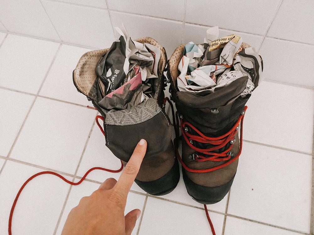 wandelschoenen-onderhouden-drogen