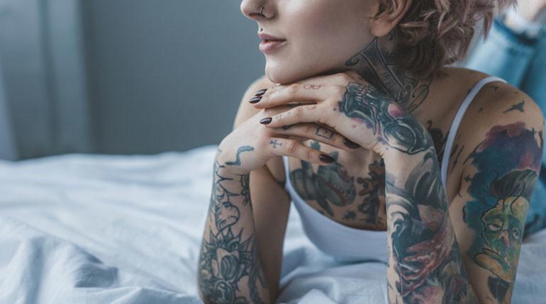 Lekkere meid tatoeages