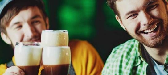 St. Patrick-vaart | Partyboot De Koperen Hoorn