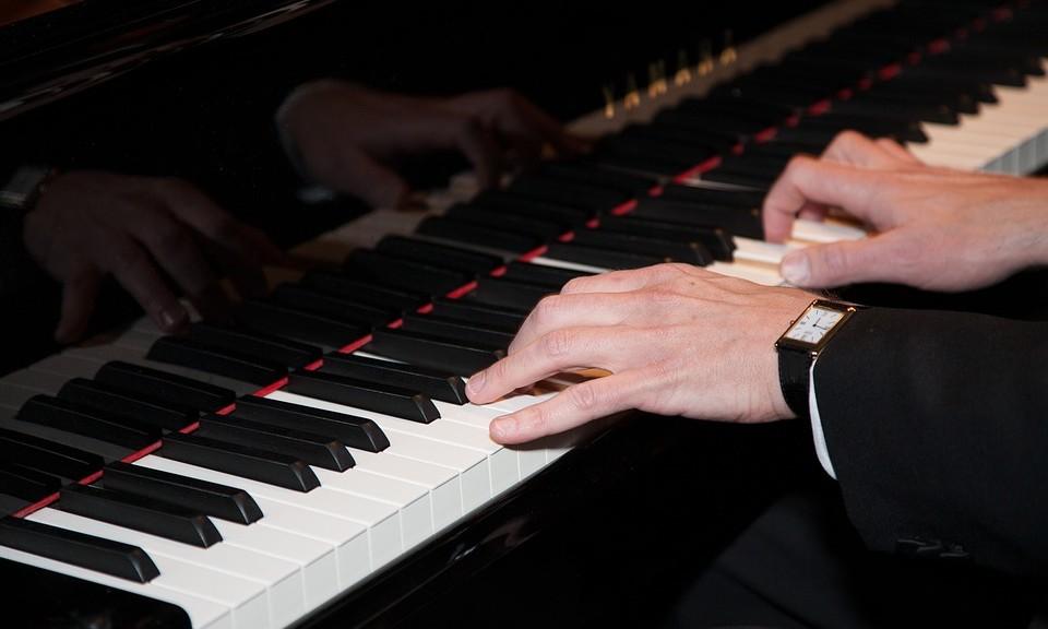 Beter piano spelen door veel oefenen