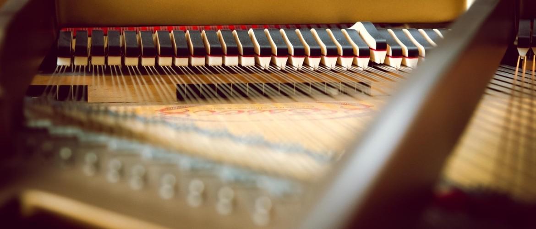 De klank van een piano, waardoor wordt die bepaald?