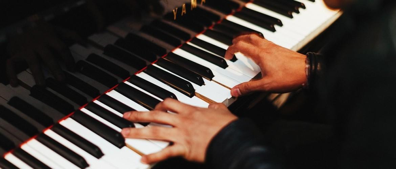 De 7 grootste voordelen van piano spelen