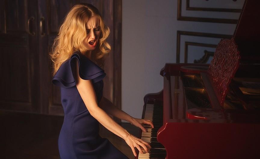 Goed humeur door piano spelen