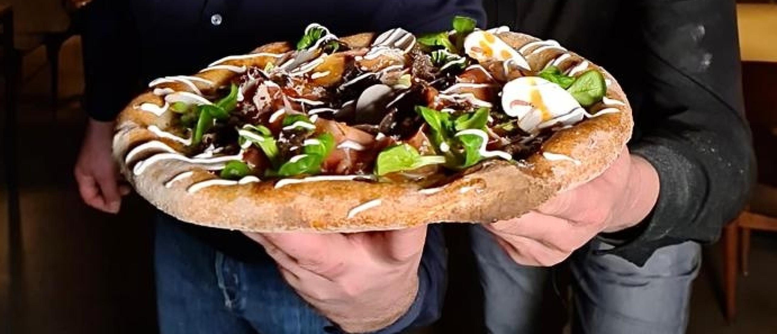 Strijd om de lekkerste 'pizza nova' barst los op NK Pizza Bakken 2022