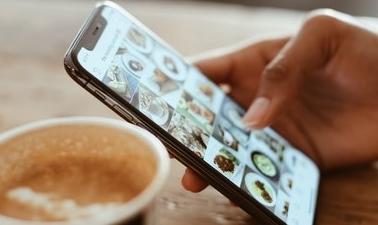 Fiverr social media