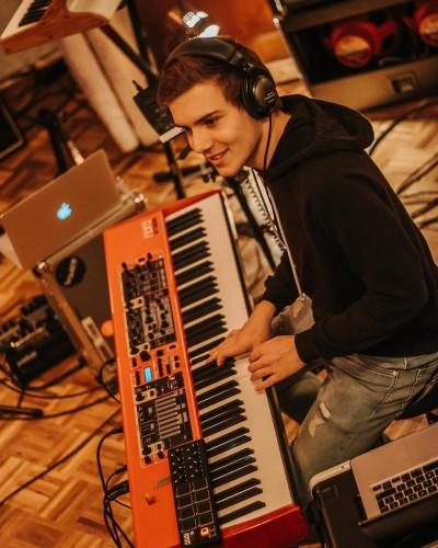 Raoul van den Bergh - Piano/keyboard docent Novae Popschool