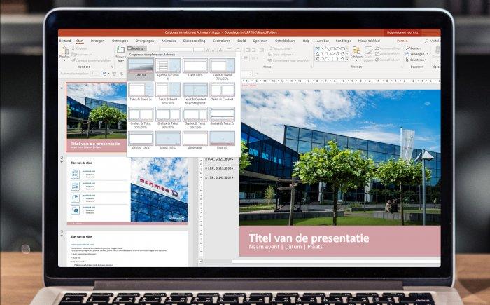 Laptop met een PowerPoint presentatie waarbij er een dia wordt toegevoegd.