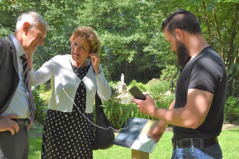 informatieborden en informatiepanelen met QR-code Pressart bijbedevaartsoord Onze Lieve Vrouw ter Nood in Heiloo