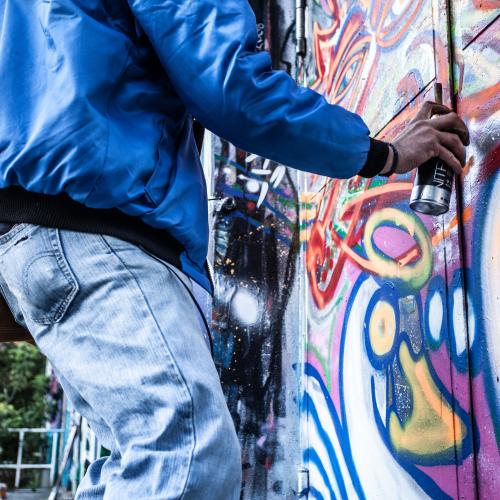 graffiti op informatieborden voor recreatieschappen