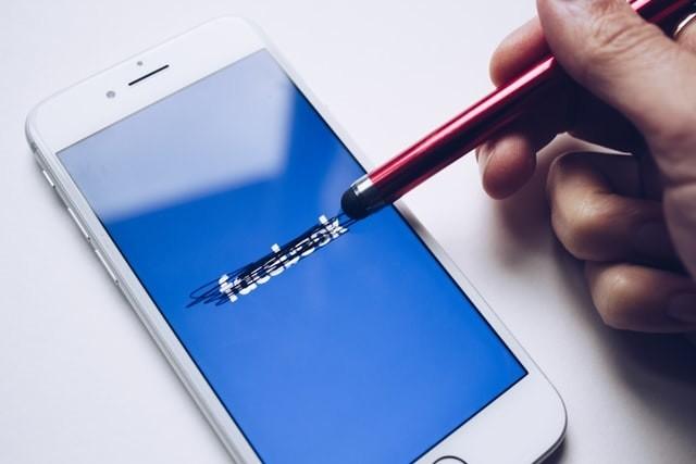 Stop social media dopamine fasting